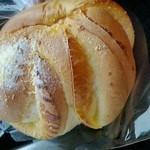 32333510 - 141017北海道 麦菓堂 チーズパン(カマンベール)