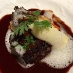 ラ・フランス亭 - 肉料理 ほほ肉の赤ワイン煮込みとても柔らか!
