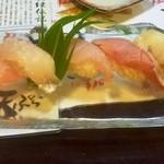 鮨処 朝日屋 - 地魚中心の握り