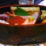 鮨処 朝日屋 - ちらし寿司