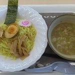 カインズキッチン - 料理写真:魚介豚骨つけ麺 380円