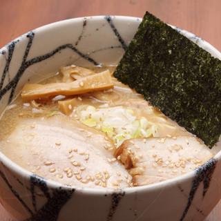 【風来居】のスープを際立たせるための「麺」へのこだわり