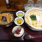 木田屋 - 海老天丼&ミニうどん 880円 + 大盛 150円