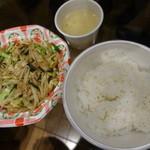 胡弓 - 肉野菜炒め定食で肉少なめ