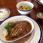 32363395 - 《作造ハンバーグ・ランチ》1,000円(税別)                       ご飯・味噌汁・サラダ付き