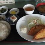 七福屋 - 魚フライ定食
