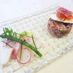 リストランテ アニモフェリーチェ - 本日のお任せ前菜2種盛り合わせ 活け〆天然鮮魚のカルパッチョ スペルト小麦のサラダ仕立て