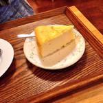 カフェ モナミ - チーズスフレ