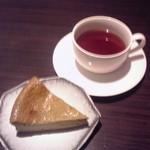 32378868 - 抹茶チーズケーキど紅茶