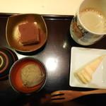 レストランMOMO - 抹茶アイス ベイクドチーズ ティラミス