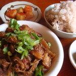 3238155 - すじ肉炒め定食(900円)