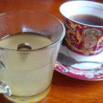 韓国風居酒屋 唐辛子 - ゆず茶+コーヒー(カップが豪華~)