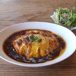 Cafe tenba - 【オムライス】ふわとろオムライス~デミグラソースがおいしかったです。サラダ付~♪