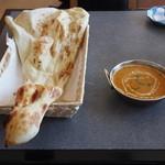 アガン - 料理写真:日替わりランチ(サラダ、ドリンクが付きます)