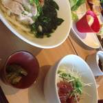 32382667 - 三元豚と紀州南高梅のうどん&漬け鮪丼