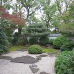 蘇山荘 - 窓側の席から見える景色
