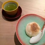 くろぎ - デザートのバニラアイス きな粉かけと緑茶