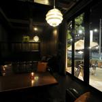 yebisu gogo cafe - 開放感のある空間など様々なタイプのソファー席があります