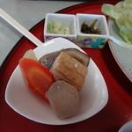 夢味庵 - トンカツ定食の煮物