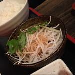 花唄 - ゴーヤちゃんぷる定食(950円)にはサラダが付きます。2014年10月