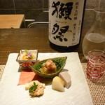32398037 - 前菜と日本酒'14.10