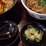 32398315 - 小丼ランチ税込945円♤天丼甘め