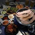 韓国亭豚や - サムギョプサル ボリュームはんぱない