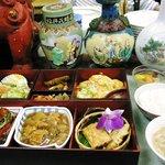 中国料理 頤和園 - グルメ弁当950円(全体)