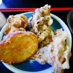 32403615 - 天ぷら(舞茸・さつま芋)