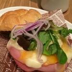 志津屋 - 5種のチーズを使用したチーズカルネ