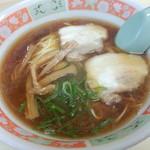 金太郎 - 料理写真:とりがら醤油ラーメン 500円