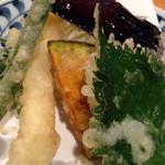 手打蕎麦 ちりん - 天ぷらのアップ
