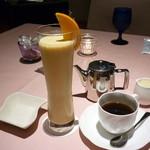 グラン カフェ - ミックスジュースと珈琲