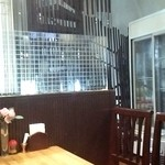 ニュー・ボイシャキ・レストラン - 二階ハラールショップ階段
