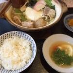 仙五郎 - 料理写真:鍋焼きうどん定食(普通は1,100円)で行った時は1,000円♪