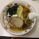 中華 カド - ラーメン500円(真上から)