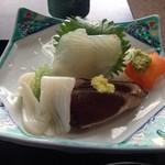 みさか和風料理 - 刺身盛り合わせ かつおのたたきは生姜の薬味