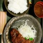 とんかつ浜名 - みそとんかつ定食(中) 1,380円は高い