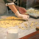 草津温泉 湯の香本舗 - クッキーの製造しているところも見ることができる☆