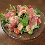 深川ポンペット - フレッシュイチジクと生ハムのサラダ