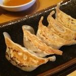 32433842 - 博多一口餃子(5個)220円