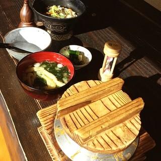 四季彩の月 - monmo推薦 お食事処【釜飯・うどん 四季彩の月】釜飯の絶品料理のお店です♪