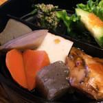 喜久鮨 - 煮物など。