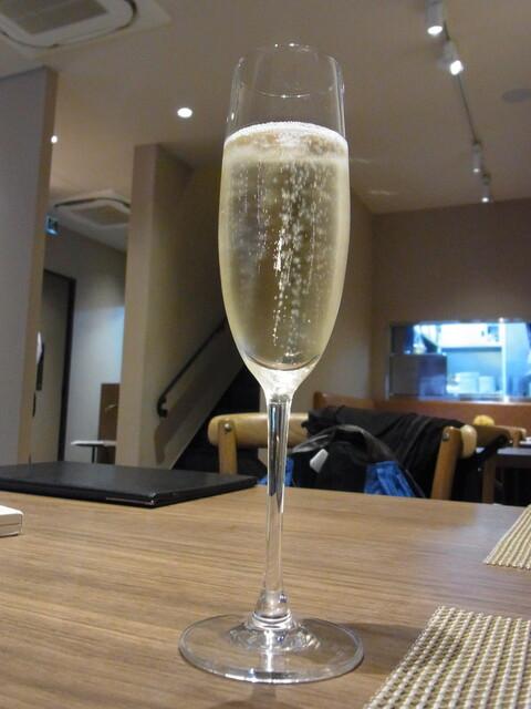 タンテ グラッツィェ - 2014.11)スパークリングワイン(648円)