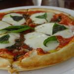 カジュアルカフェ&レストラン サンフラワー - マルゲリータピザ