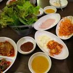 テイ・チャングム - テーブルの上はすぐに料理でいっぱい