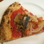 32449531 - 秋サンマとトマトソースのピザ