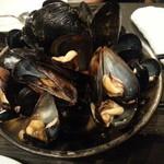 スペイン料理 アロス - ムール貝の酒蒸し