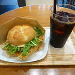 OGAWA COFFEE  - 京あげとキノコのサンド、アイスコーヒー