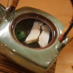 32457579 - おまかせコース(3000円):椀替:松茸土瓶むし